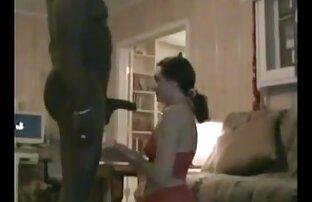 ロシアの学生は、サウナで彼の口の中でコックで騎士をファックします。 エロ 動画 女子 用