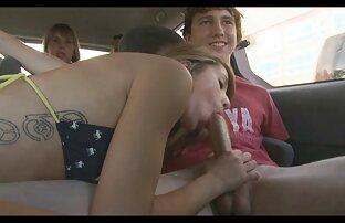 赤毛の女性は屋外で性交するために座った。 女の子 用 アダルト ビデオ