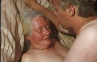 ロシアの売春婦は、森の中で二つのタクシー運転手を吸う。 無料 女性 用 アダルト ビデオ