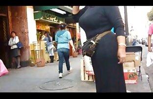 サラのレースは、屋外で彼女の猫を研磨します。 無料 女性 用 アダルト ビデオ